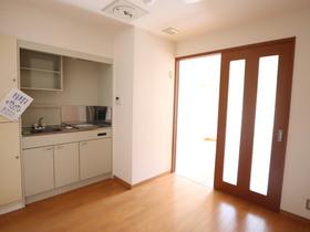 https://image.rentersnet.jp/c59a2c7b-e017-44a3-8e9d-d8cf25390f1d_property_picture_955_large.jpg_cap_居室