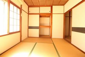 https://image.rentersnet.jp/c59a4ddb-fceb-4ec6-9d86-2cfbbd3a8a77_property_picture_1992_large.jpg_cap_居室