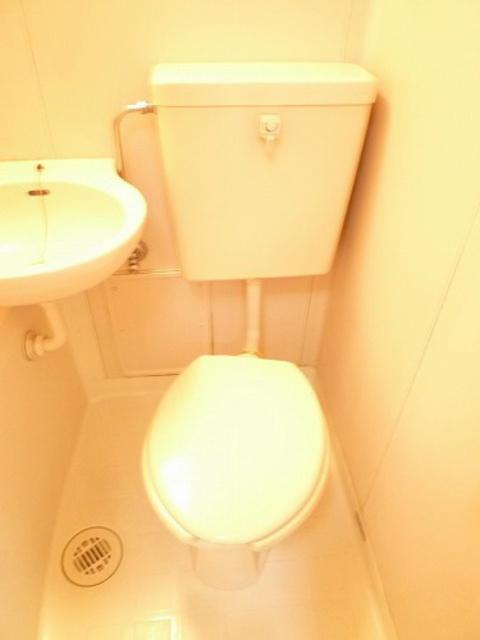 コートニュータウントイレ