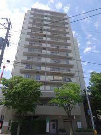 https://image.rentersnet.jp/c5bfa080169e5044dca3f50e60444516_property_picture_2418_large.jpg_cap_外観