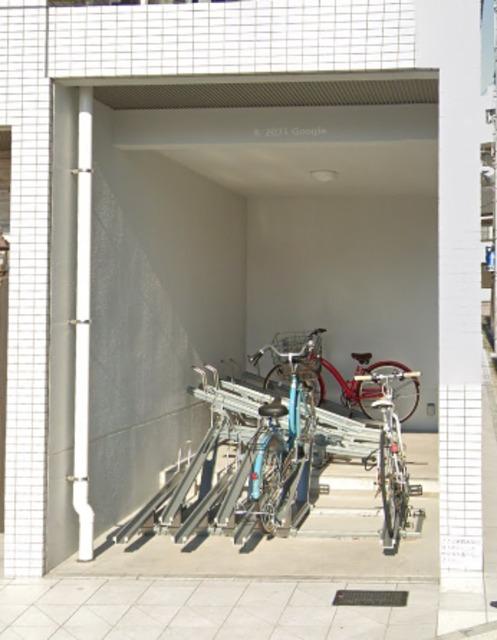 ベルフォース ルミエール駐車場