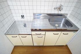 https://image.rentersnet.jp/c5ed2a7a-81b6-4756-ba15-fede0ba2e3c3_property_picture_956_large.jpg_cap_キッチン