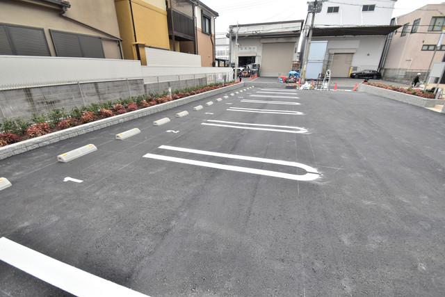 リジエールⅡ 敷地内には駐車場があり安心ですね。