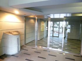 スカイコート新宿壱番館エントランス