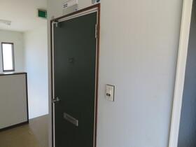 https://image.rentersnet.jp/c6737e71-c071-4205-8e36-3c33b18e8d79_property_picture_959_large.jpg_cap_玄関チャイム