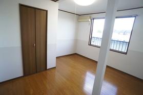 https://image.rentersnet.jp/c6aaf320-2fd6-4696-aada-dd80f61ade66_property_picture_956_large.jpg_cap_居室