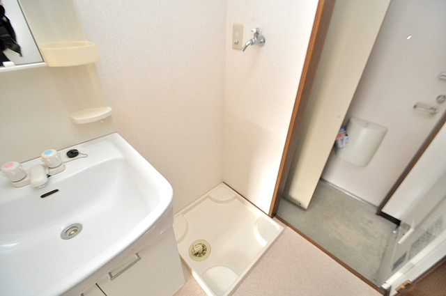エムズコンフォート 洗濯機置場が室内にあると本当に助かりますよね。