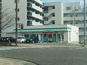 https://image.rentersnet.jp/c6b2cb52a1b41b71e860ed43ecb112a6_property_picture_958_large.jpg_cap_ファミリーマート新潟鐙一丁目店