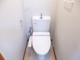嬉しいウォシュレット付きの綺麗なトイレです☆