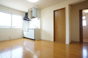 https://image.rentersnet.jp/c73c1da3-e357-4ace-9425-f5d35ee2527f_property_picture_1993_large.jpg_cap_居室