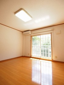 https://image.rentersnet.jp/c75ca090-b3dd-44fb-ad0c-b984344c4992_property_picture_2988_large.jpg_cap_居室