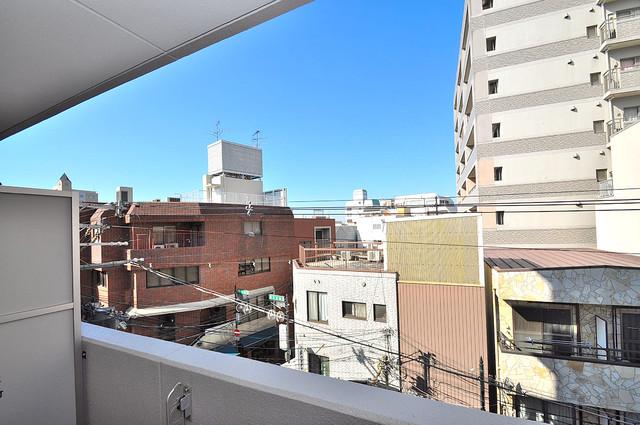 プレシオ小阪 この見晴らしが日当たりのイイお部屋を作ってます。