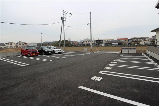 レジデンス下南部駐車場