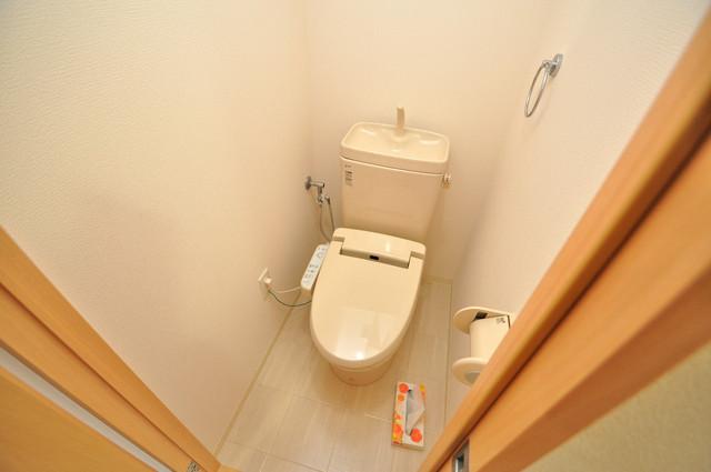CITY SPIRE布施(ラグゼ布施) 白を基調とした爽やかなトイレです。清潔で落ち着くアナタだけのプライベート空間ですね.