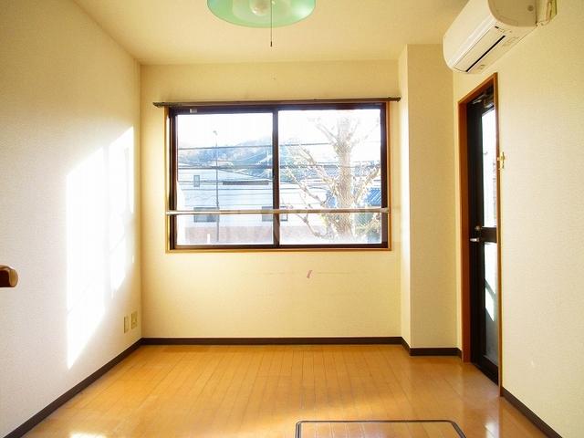 稲城蔵ビル居室