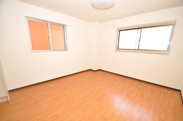 永和ビル 朝には心地よい光が差し込む、このお部屋でお休みください。