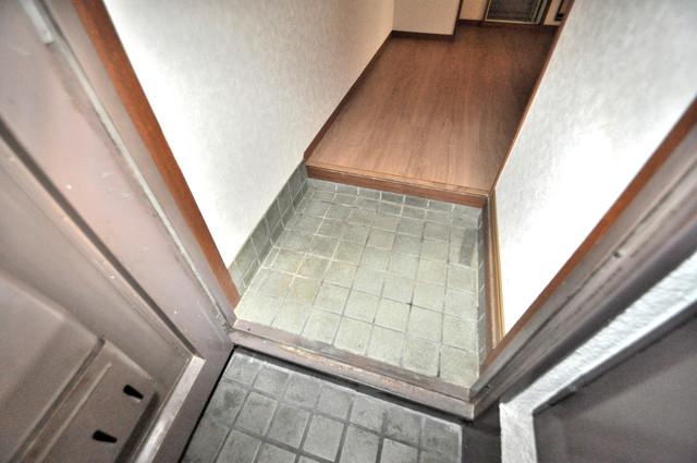 ニッコーハイツ俊徳 素敵な玄関は毎朝あなたを元気に送りだしてくれますよ。