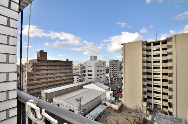 日栄ビル3号館 バルコニーは眺めが良く、風通しも良い。癒される空間ですね。