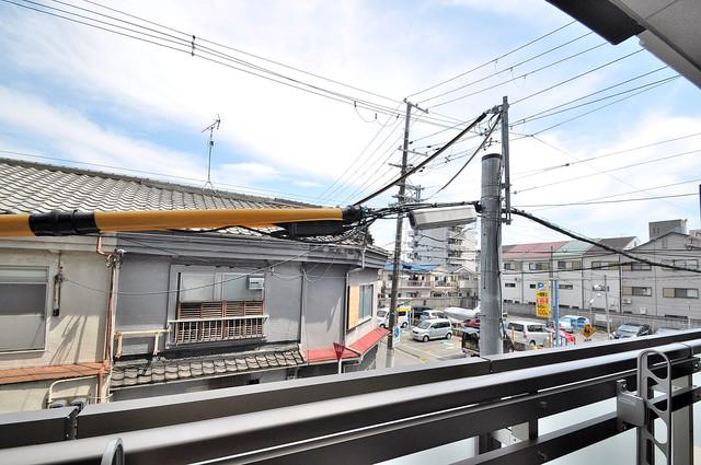 アドバンス大阪フェリシア この見晴らしが陽当たりのイイお部屋を作ってます。