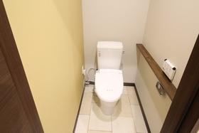 https://image.rentersnet.jp/c8ee879b-01dd-4f9e-8742-946cb362ce57_property_picture_958_large.jpg_cap_トイレ