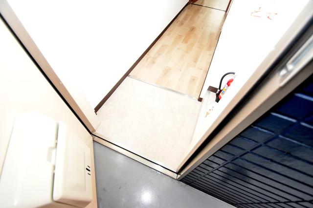 シティーコア高井田Ⅰ 素敵な玄関は毎朝あなたを元気に送りだしてくれますよ。