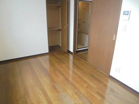 https://image.rentersnet.jp/c91142a2-7e33-47c8-bb09-3ca15125b78f_property_picture_3186_large.jpg_cap_居室