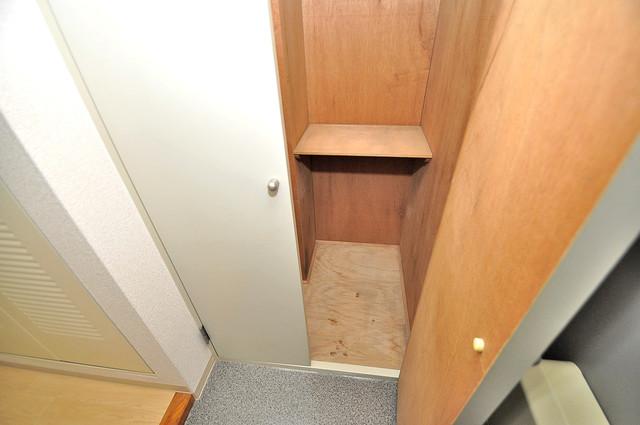 カーサノベンタ 明るい玄関には大きめのシューズボックスがありますよ。
