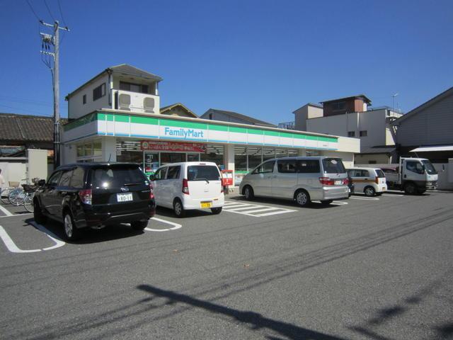 ファミリーマート京屋西湊店