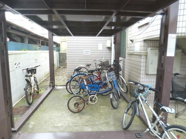 スカイコート西新井駐車場