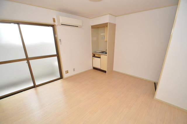 ピースハイツ永和 朝には心地よい光が差し込む、このお部屋でお休みください。
