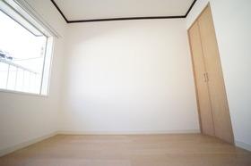 https://image.rentersnet.jp/ca207893-0026-45c1-8580-1602db95d6bb_property_picture_956_large.jpg_cap_嬉しい寝室付きです。