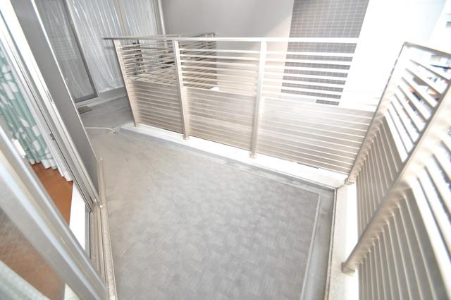 ヴェリテ永和駅前 広めのバルコニーは風通しが良く、洗濯物もよく乾きそうです。