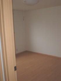 https://image.rentersnet.jp/ca7694eb-cd11-43dd-b0f9-fbd02dc051de_property_picture_955_large.jpg_cap_居室