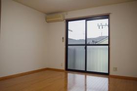 https://image.rentersnet.jp/ca94d45b-790e-4c38-809f-e6f9baa5a088_property_picture_2419_large.jpg_cap_居室
