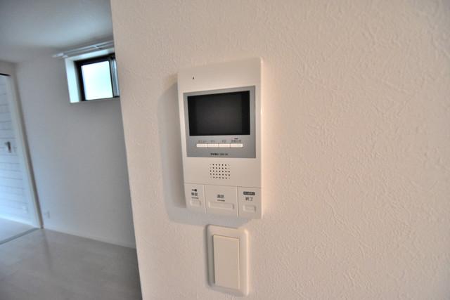 DOAHN 巽西 TVモニターホンは必須ですね。扉は誰か確認してから開けて下さいね