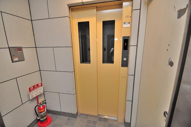 カーサ・デル・ソーレ 嬉しい事にエレベーターがあります。重い荷物を持っていても安心