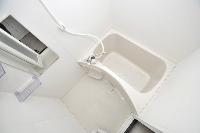 エム・ステージ今里 ちょうどいいサイズのお風呂です。お掃除も楽にできますよ。
