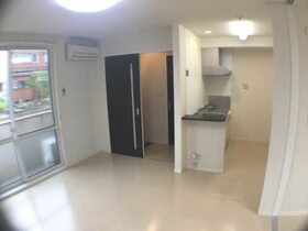 https://image.rentersnet.jp/cc8066d1-9ea2-485a-ba4b-9da2222d4010_property_picture_959_large.jpg_cap_居室