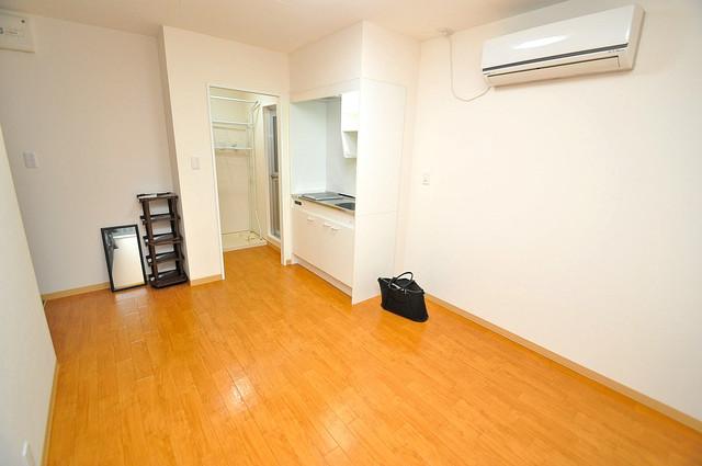メゾン松村 明るいお部屋はゆったりとしていて、心地よい空間です