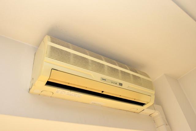 メゾン・ド・成屋大阪 最初からエアコンが付いているなんてお得ですね
