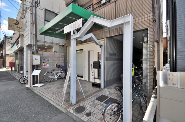 MAISON YAMATO エントランス周辺はいつもキレイに片付けられています。