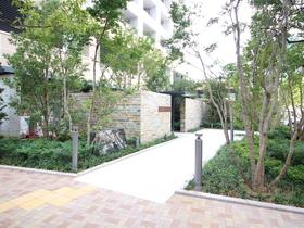 ザ・パークハウス西新宿タワー60エントランス