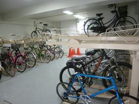 スカイコート神楽坂参番館駐車場