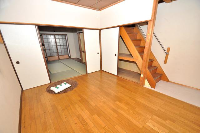 横沼町3丁目貸家 内装は落ち着いた色合いで、くつろげる空間になりそうですね。