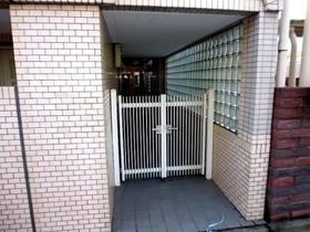 エントランスの門扉