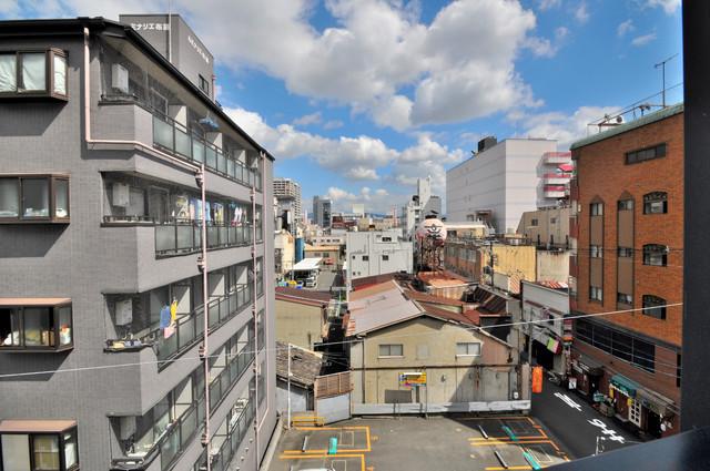 シティハイツ布施 バルコニーは眺めが良く、風通しも良い。癒される空間ですね。