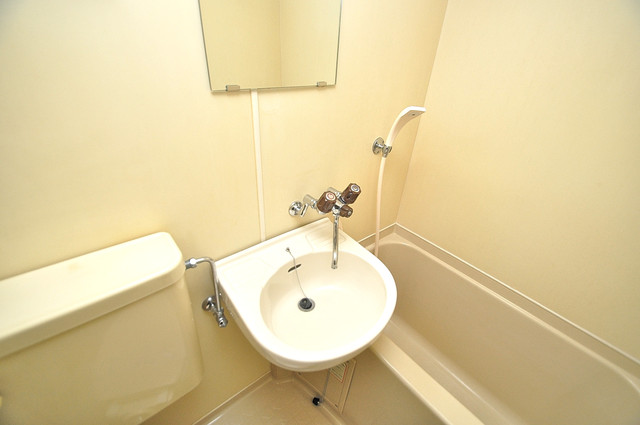 ハウスランド布施 可愛いいサイズの洗面台ですが、機能性はすごいんですよ。