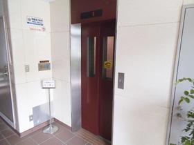 エレベーター完備です!