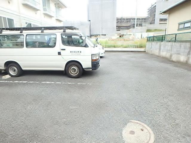 エステートピア稲城駐車場