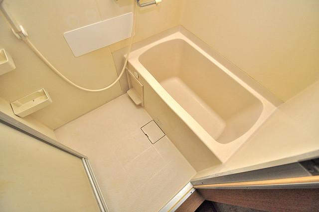 アクアオース ゆったりと入るなら、やっぱりトイレとは別々が嬉しいですよね。